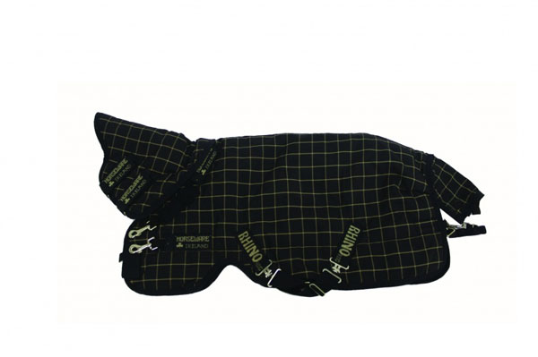 Rhino Wug Plus Medium 200g Turnout in Black and Tan Checks