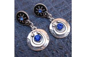 Wyo-Horse Free Spirit Horseshoe Earrings Blue