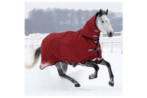 Rambo Plus Burgundy and Tan Medium 200g Turnout Blanket